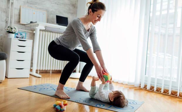 Преседаем и играем с малышом одновременно